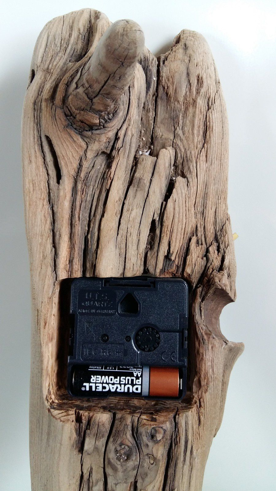 Pendule en bois flotté très dur