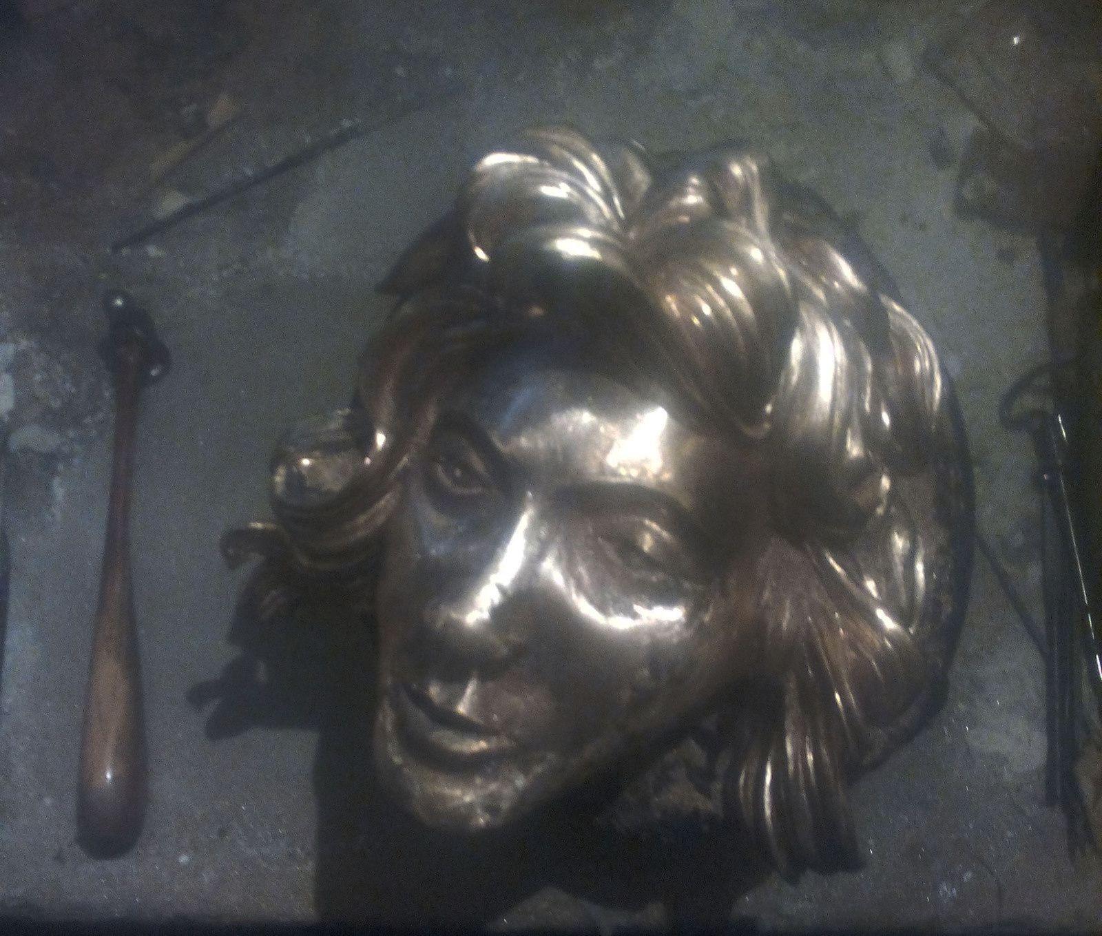 tête en bronze(2)
