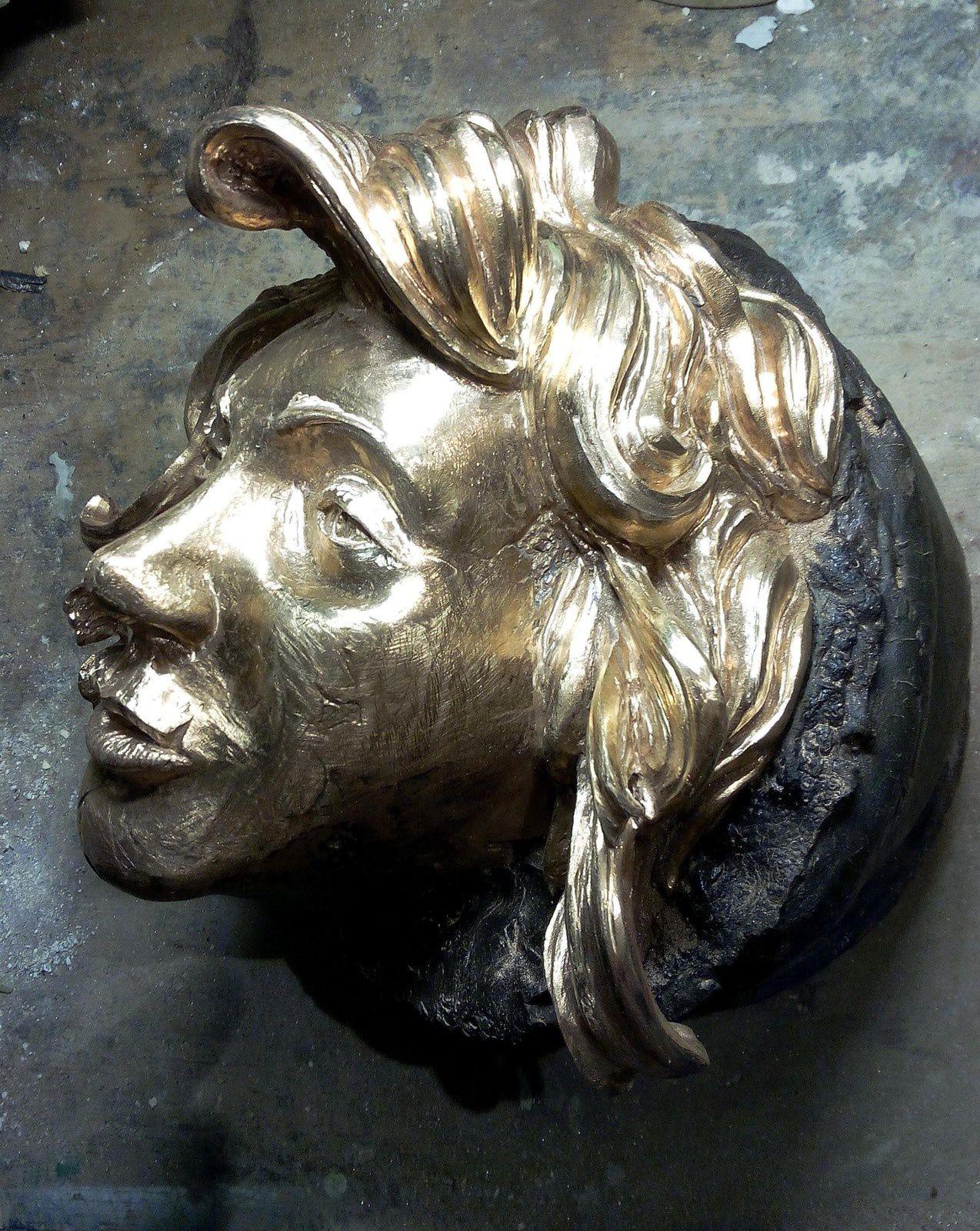 tête en bronze