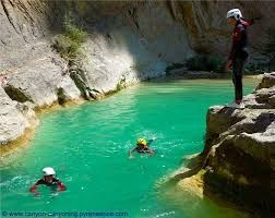 Photo du net (http://www.canyon-canyoning.pyreneance.com)
