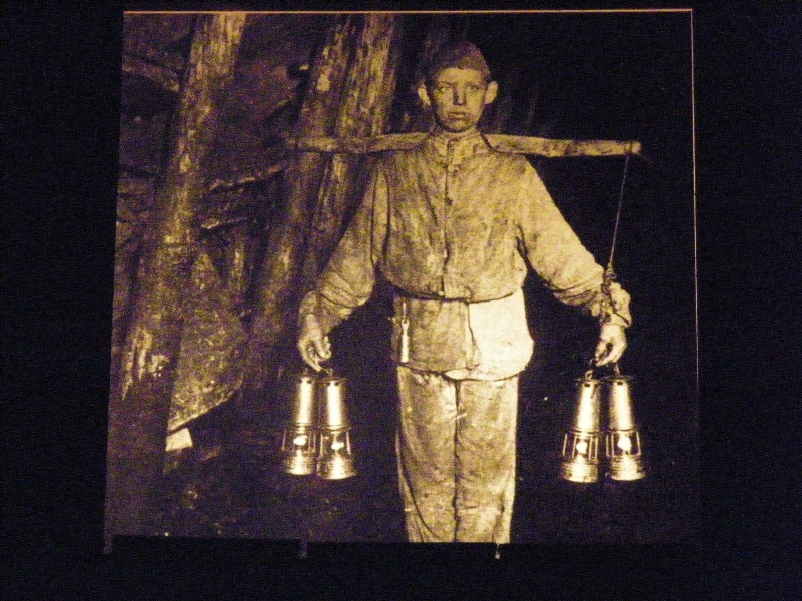 Dans le coeur de la cité minière - Faymoreau- Musée de la mine et le village
