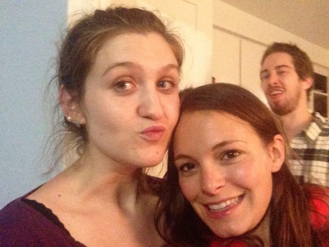 Les filles et moi (et un troll sur une des photos)