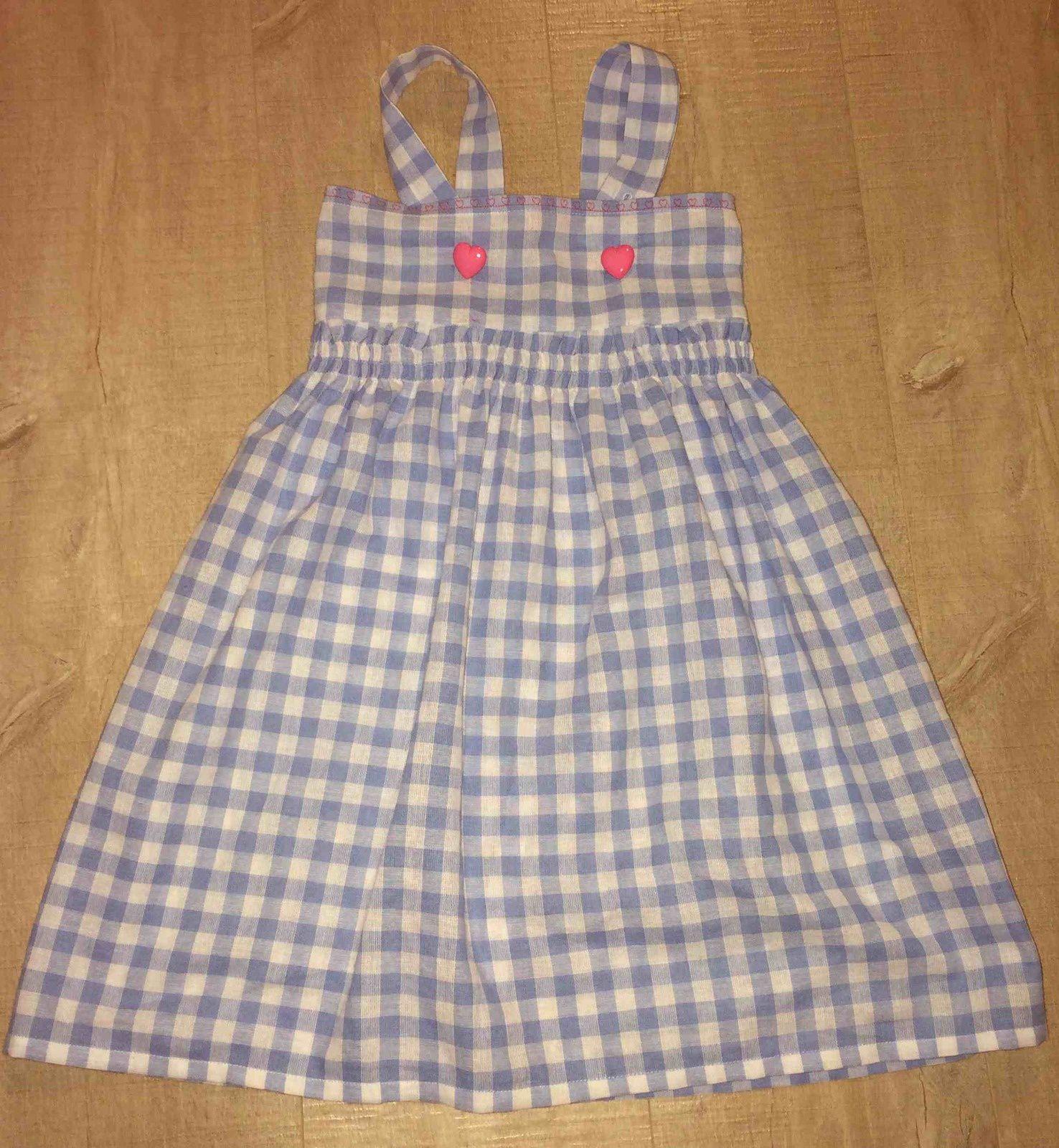 La robe de petite fille d'après mon tuto super simple par Maguelone