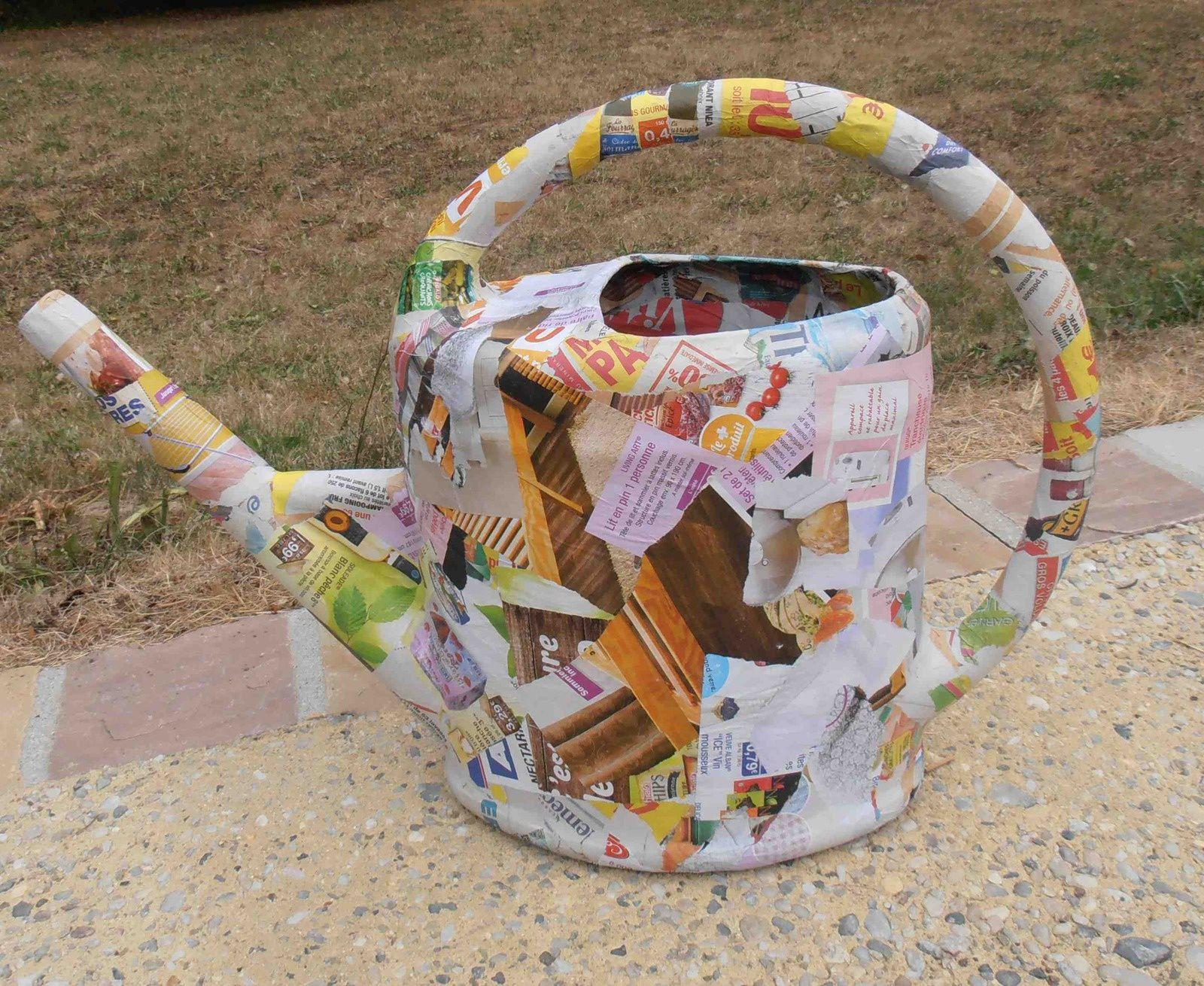 Tuto : Recycler et décorer  un arrosoir en plastique gratuitement ou presque