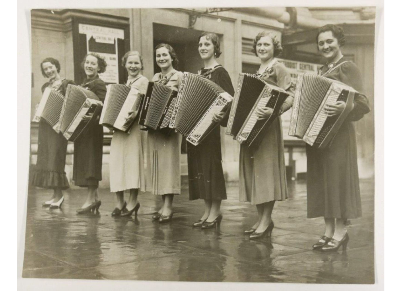 ACCORDEONS SWING WOMEN