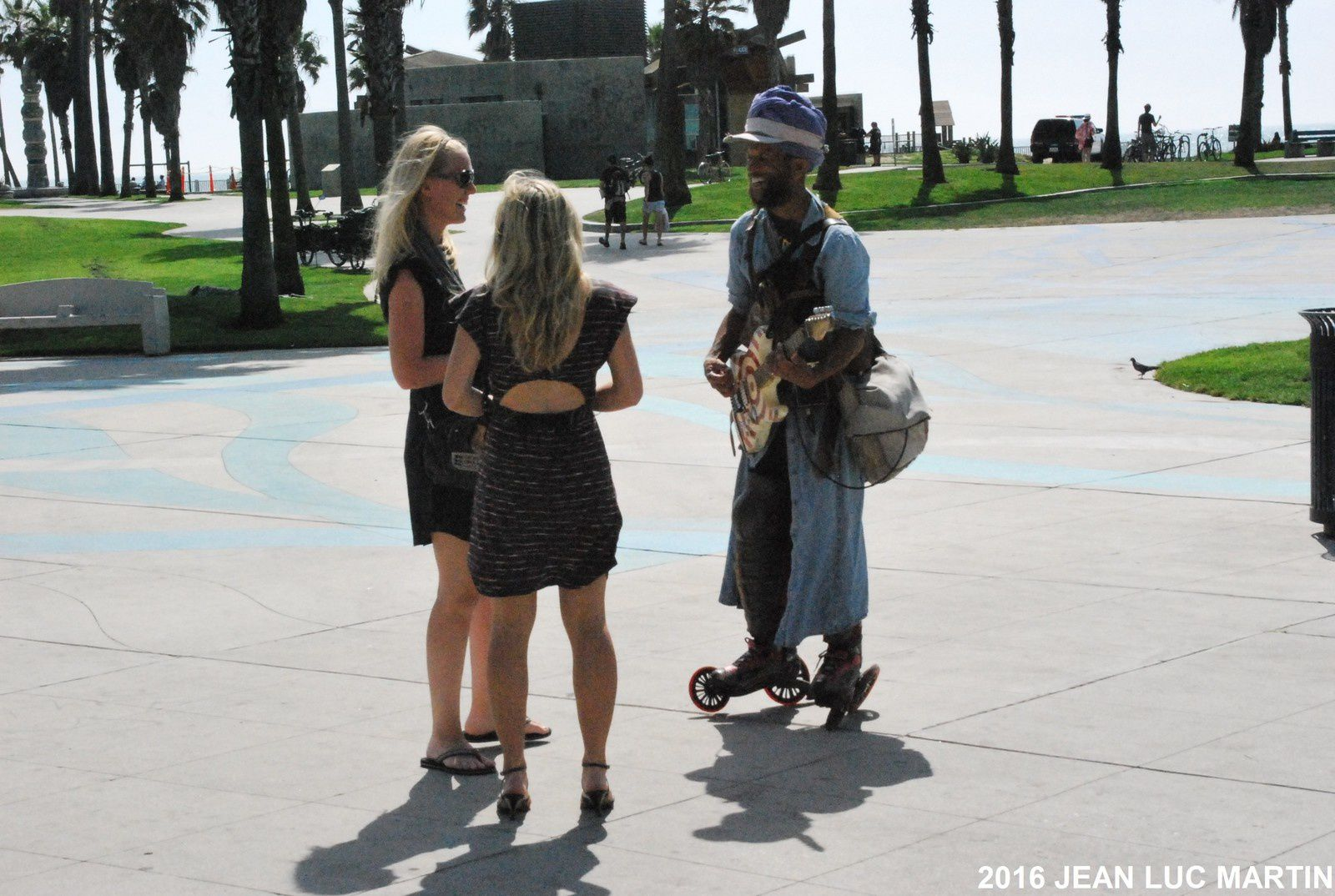 THE BLUESMAN AND THE GIRLS