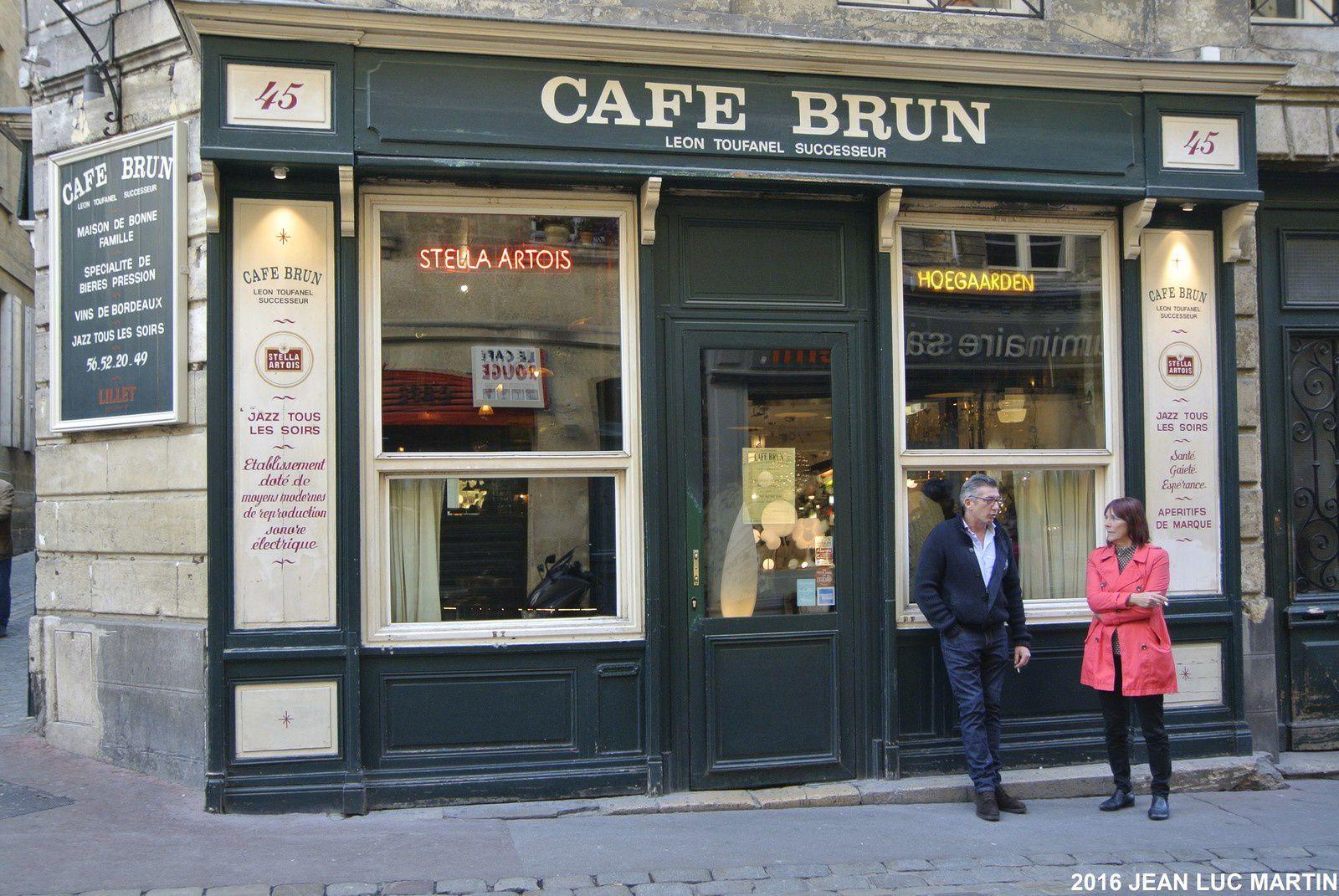 LE CAFÉ BRUN A BORDEAUX: UNE INSTITUTION POUR LE JAZZ ET MUSIQUES DIVERSES