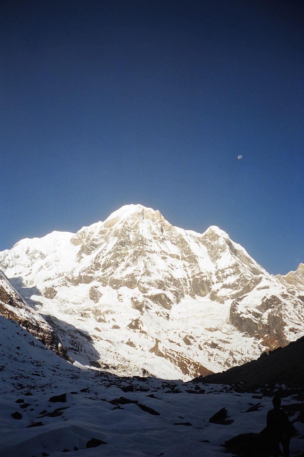 Levé de soleil sur l'Annapurna I en décembre 2005