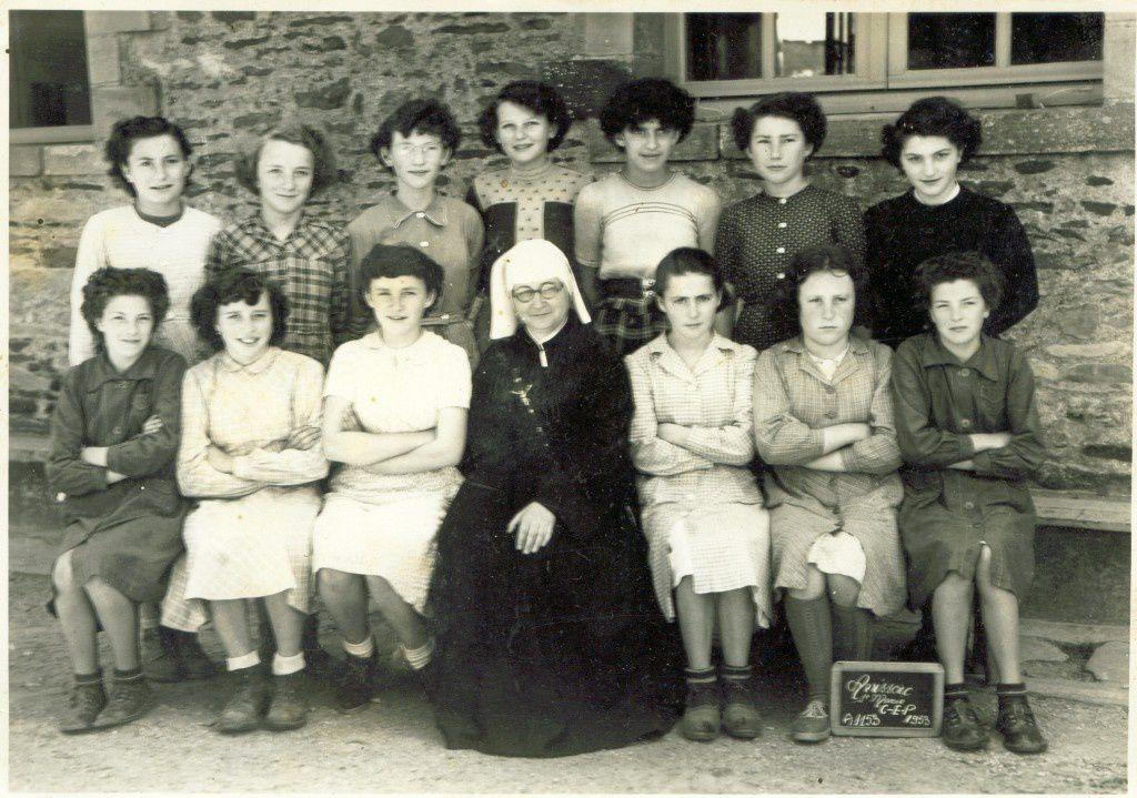 Soeur de Saint-Gildas (école maternelle mixte et école primaire de filles).