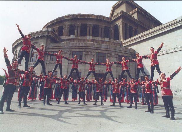 Spectacle de danses et de musiques d'Arménie au Centre culturel mercredi 27/07 à 20H30