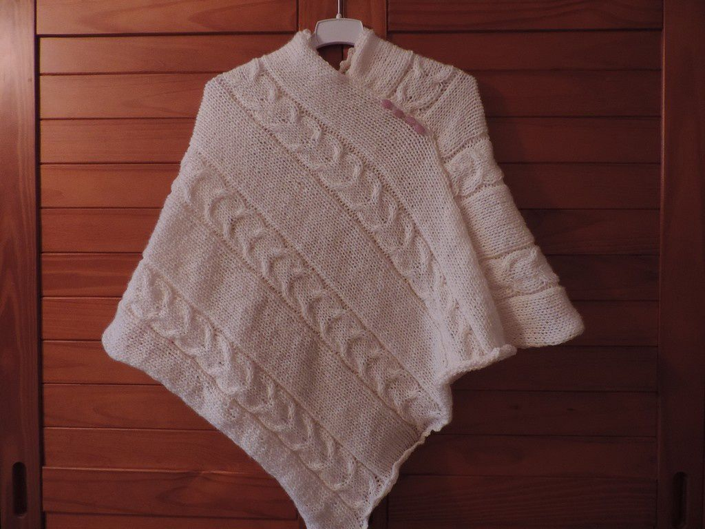 poncho taille 4/6 ans