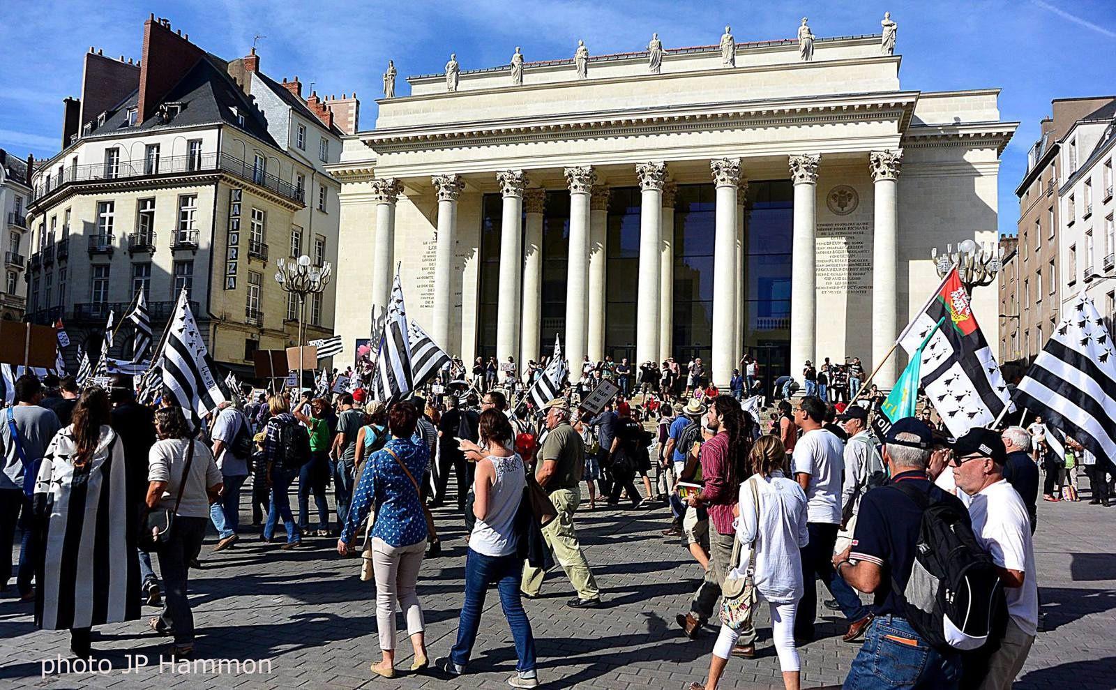 Nantes, Samedi 27 septembre 2014, Manifestation dans les rues pour la Réunification de la Bretagne (photo JP Hammon).