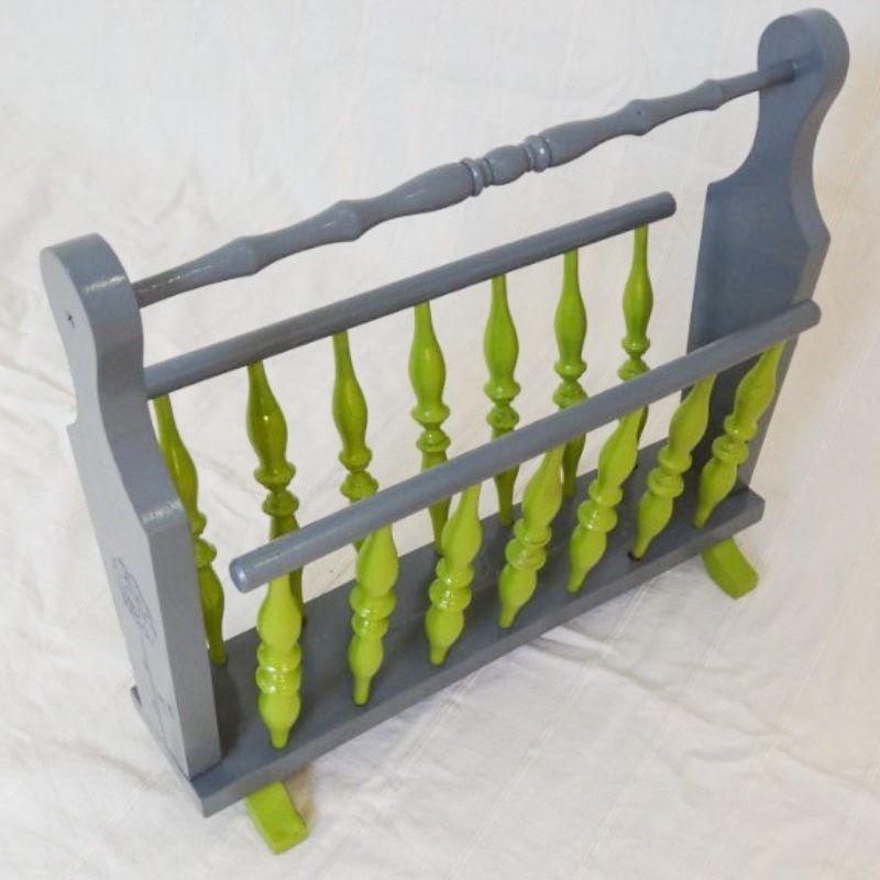 porte revue en bois le petit atelier de val. Black Bedroom Furniture Sets. Home Design Ideas