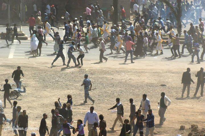 Un mois en démocrature: les manifestations de Meskel Square