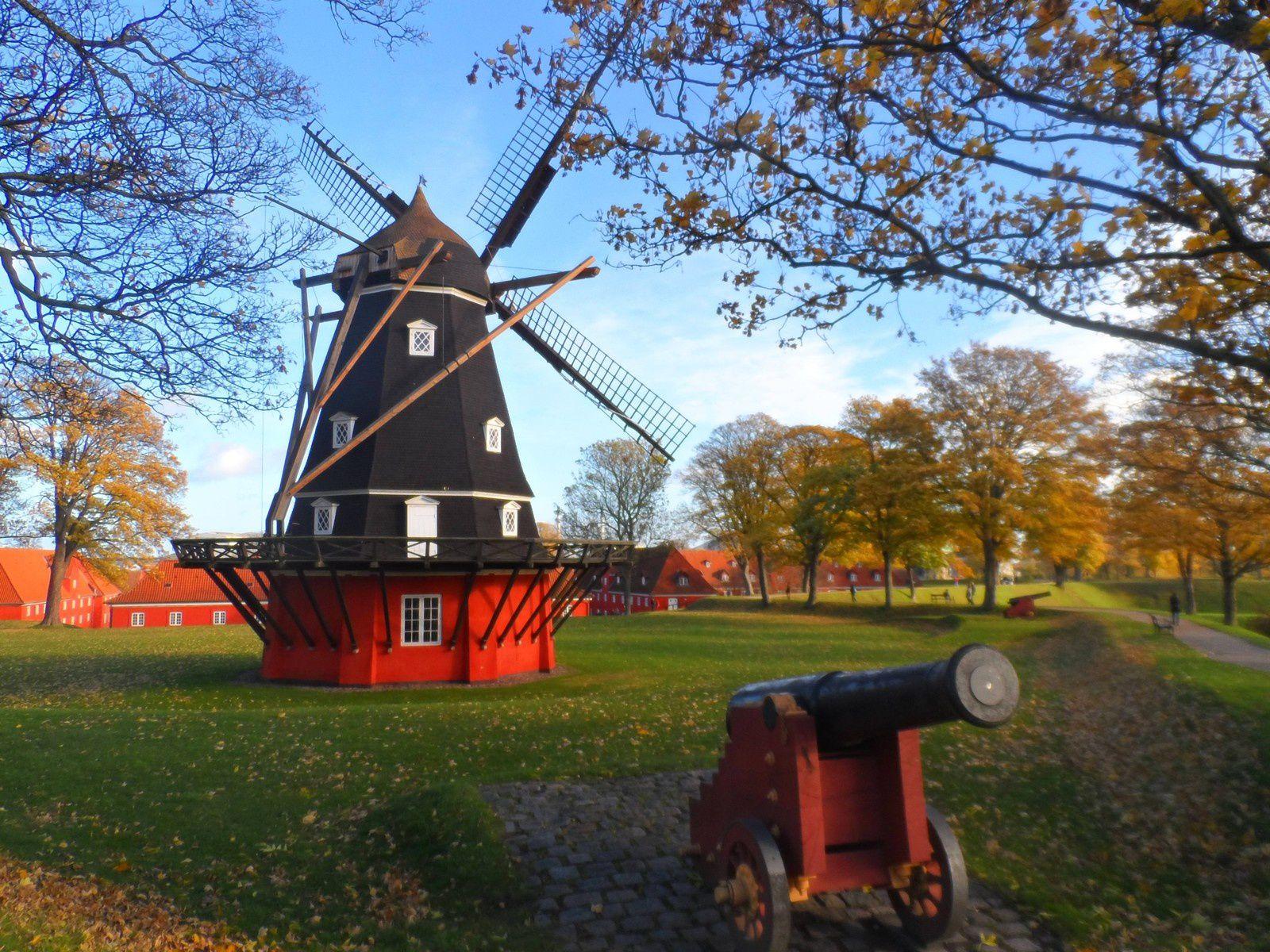 Copenhague, ses canaux et la petite sirène