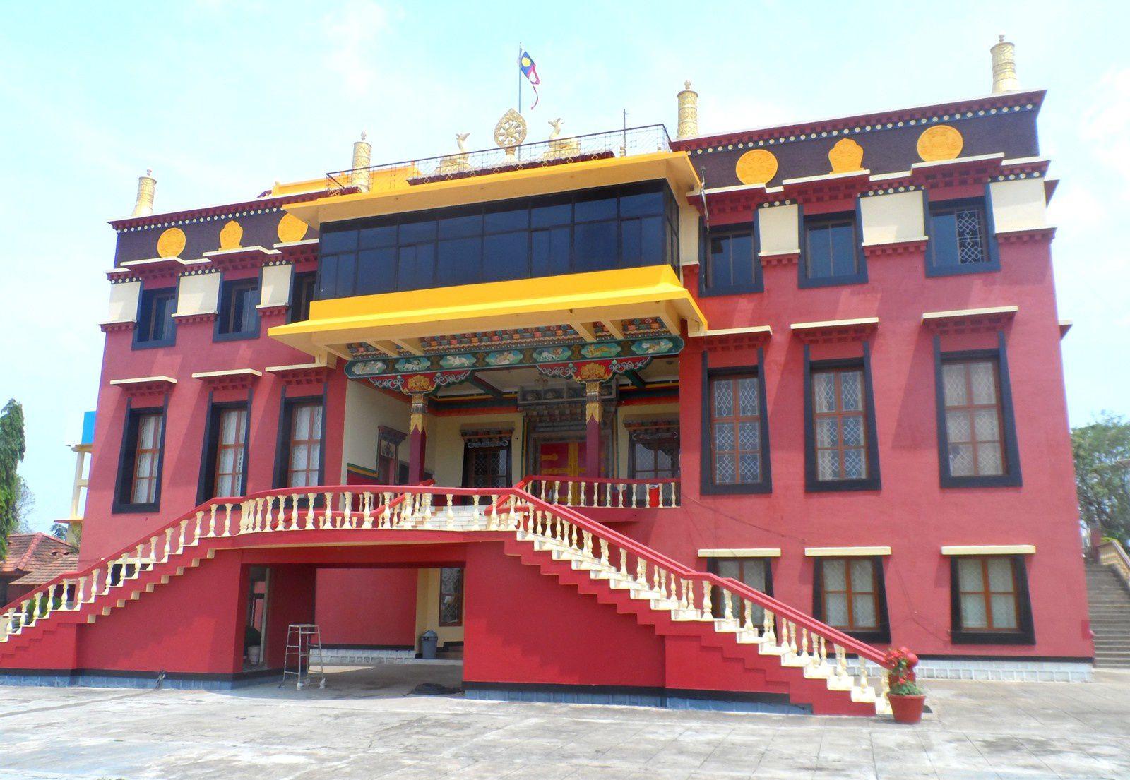 Chez les réfugiés tibétains