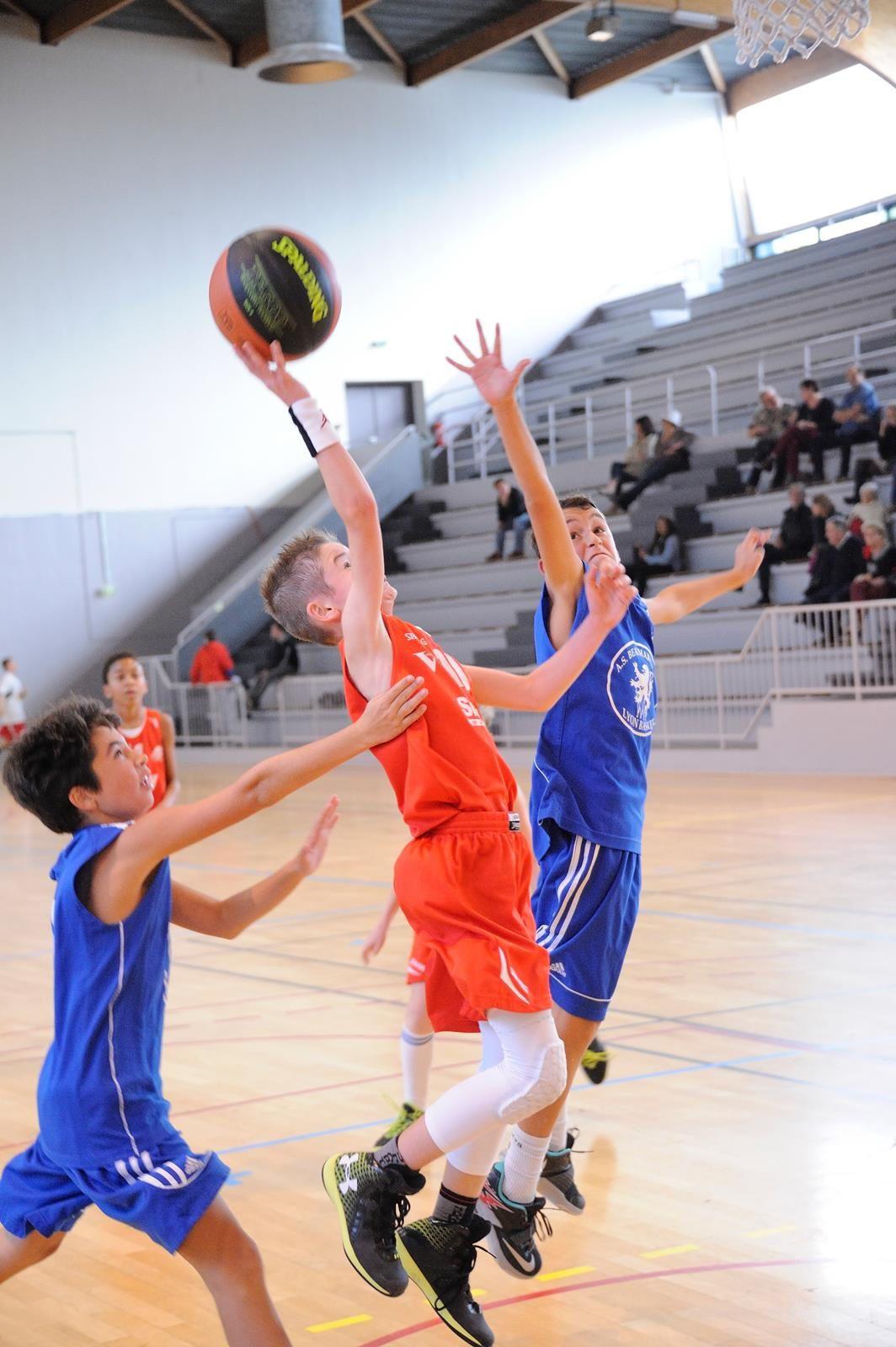 Les U13M1 contre l'AS Beaumarchais le 24/10/2015 au Palais des Sports