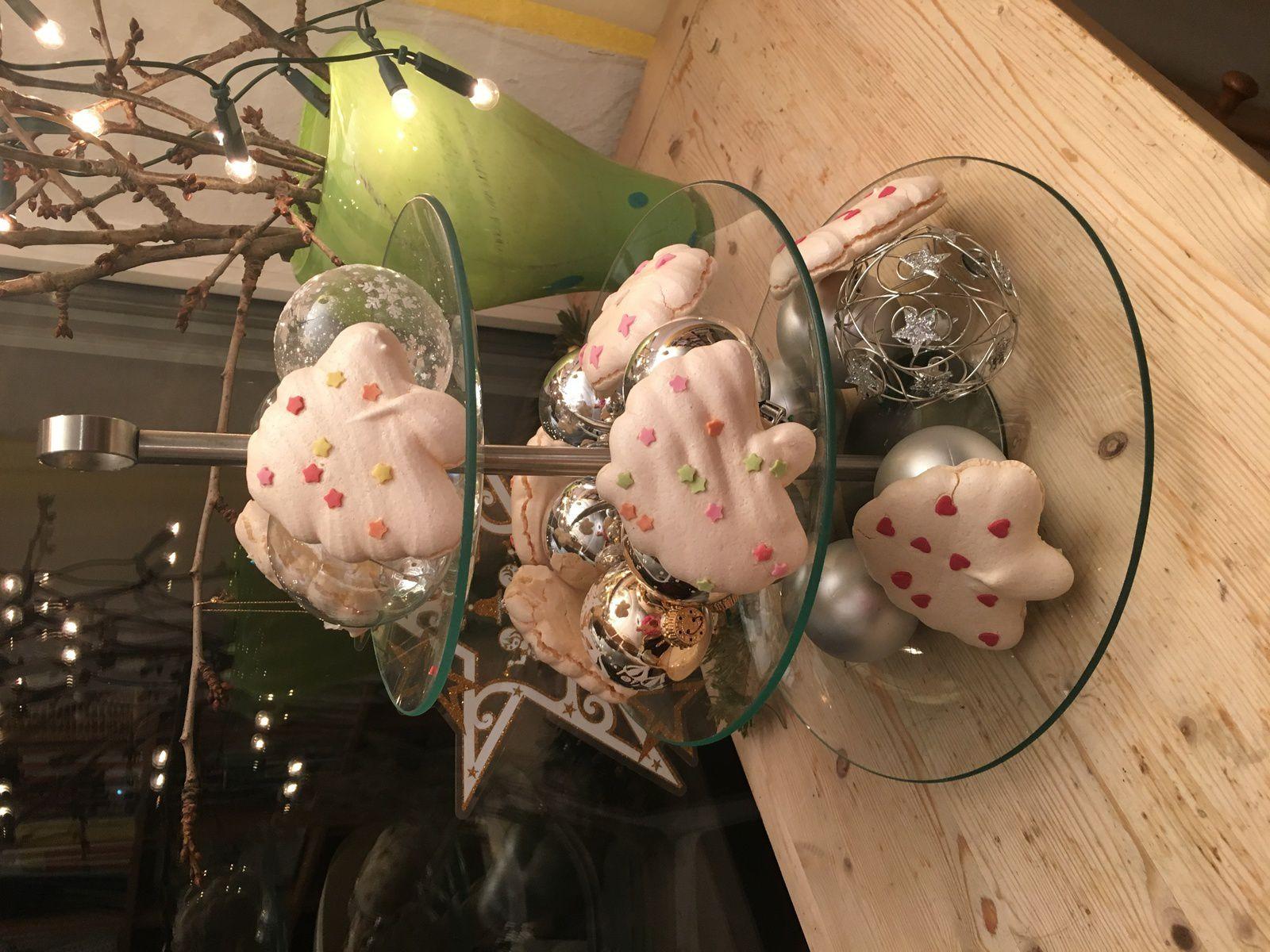 Entre déco et petits gâteaux: des sapins en meringue / Weihnachtsbaum aus Baiserteig