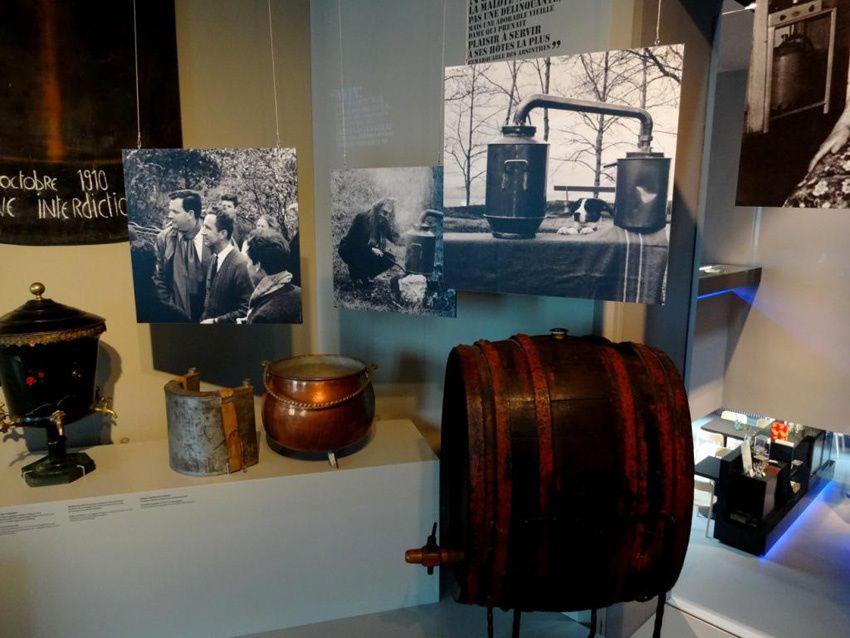 La salle de la clandestinité et le bureau du juge tel qu'il était à l'époque. Photos Delahaye.