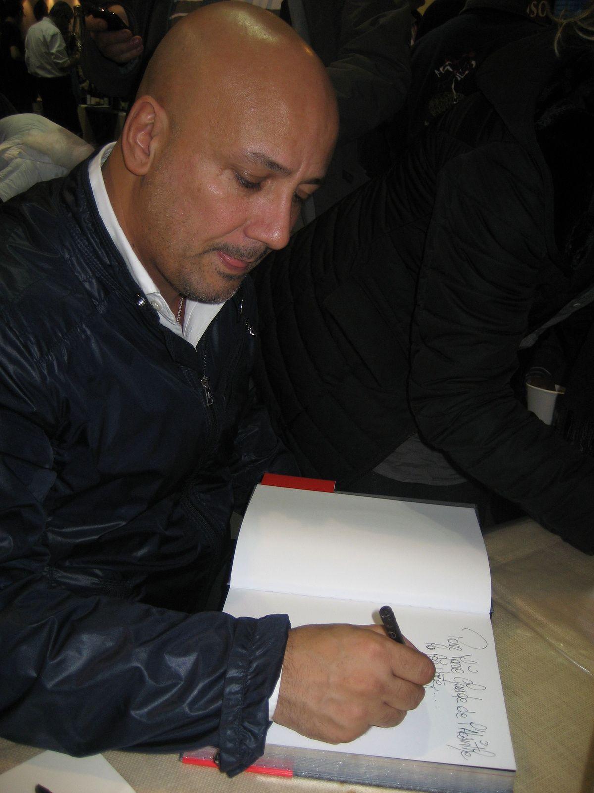 Frédéric Anton appliqué à ma dédicace. Novembre 2012.
