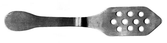 Cuillère en aluminium. Longueur : 140 mm. Collection Delahaye.