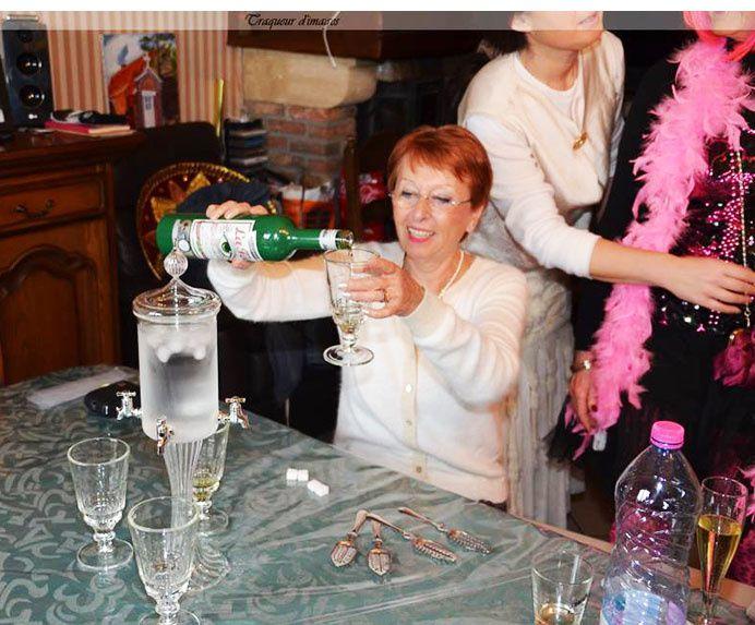 La préparation de l'absinthe. Photos Pierrot.