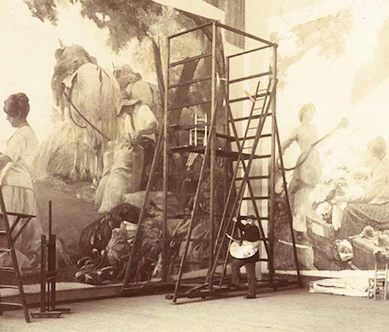 Albert Maignan dans sa maison-atelier rue La Bruyère à Paris, devant le décor de la salle des fêtes de l'Exposition universelle de 1900. ©Frédéric Arnaud/Fondation Taylor.