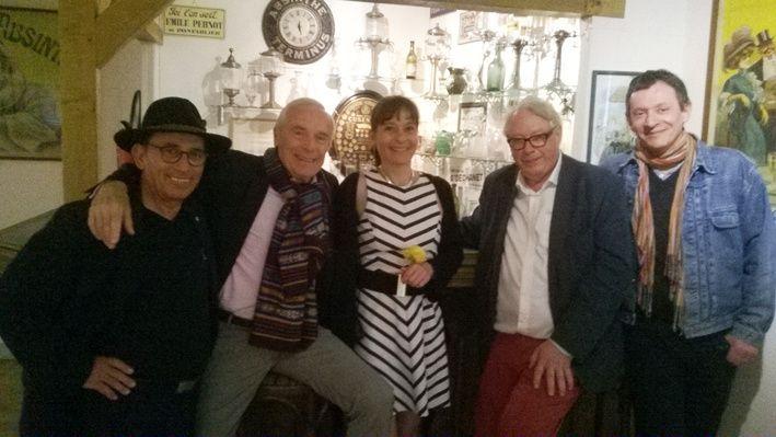 Pierre Douglas au musée (2ème à gauche) et Jean-Claude Pantellini (4ème depuis la gauche). Photo Thomas.