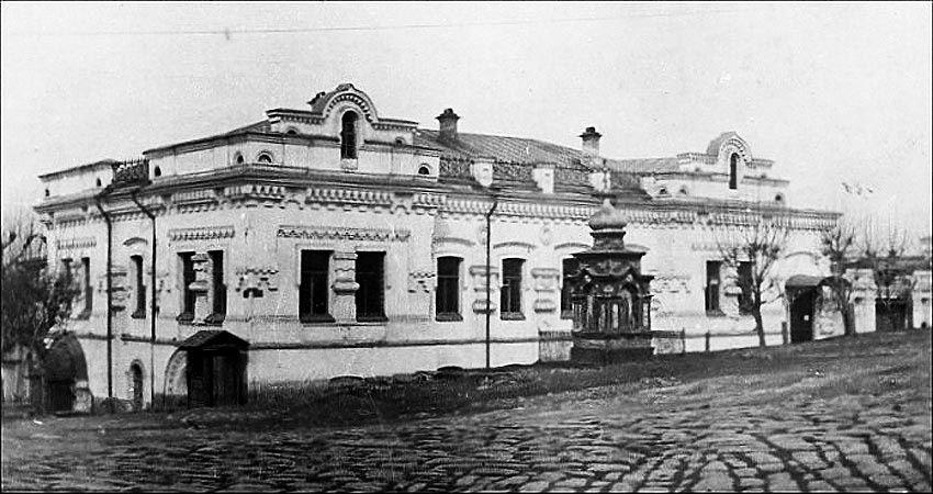 La maison Ipatiev, lieu de détention puis d'assassinat de Nicolas II et sa famille.
