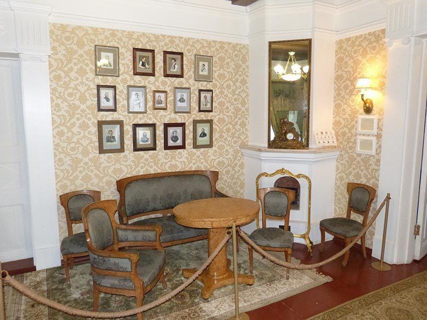 irkoustk la porte du lac ba kal. Black Bedroom Furniture Sets. Home Design Ideas