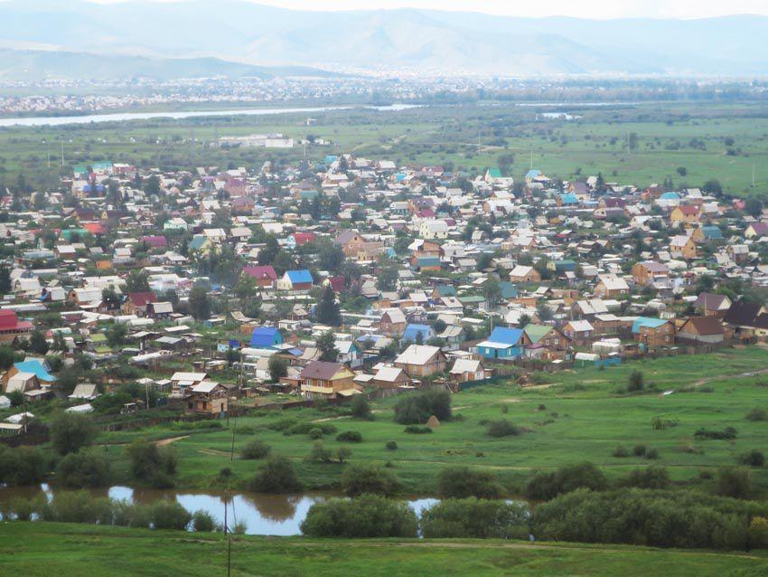 Villages aux maisons en bois traditionnelles. Ph. Delahaye.