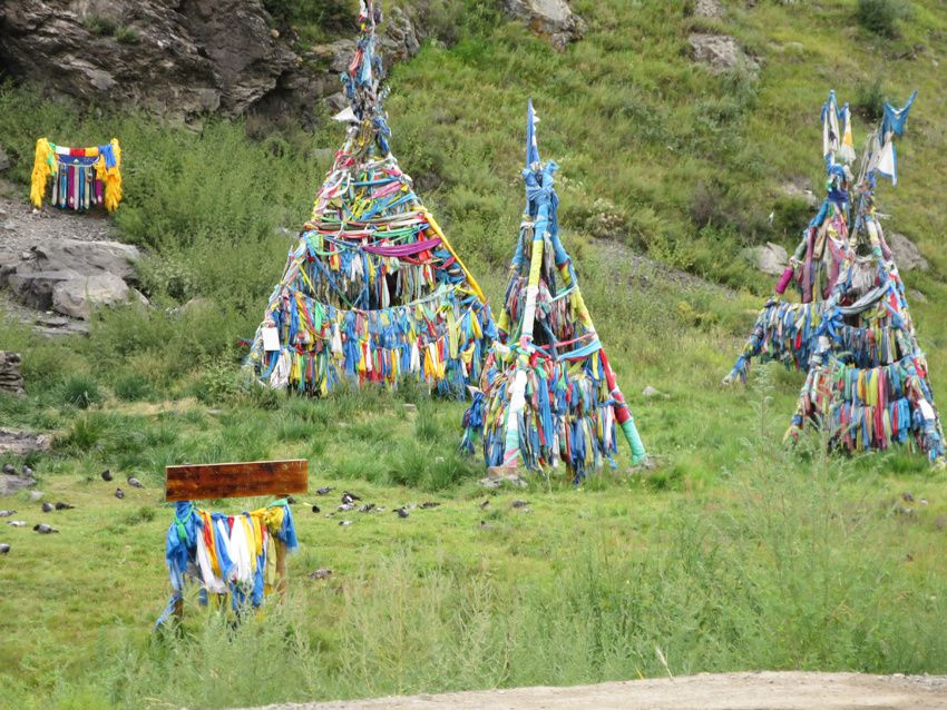 Le totem attire les esprits et le chaman est le lien avec les esprits des ancêtres. Ph. Delahaye.