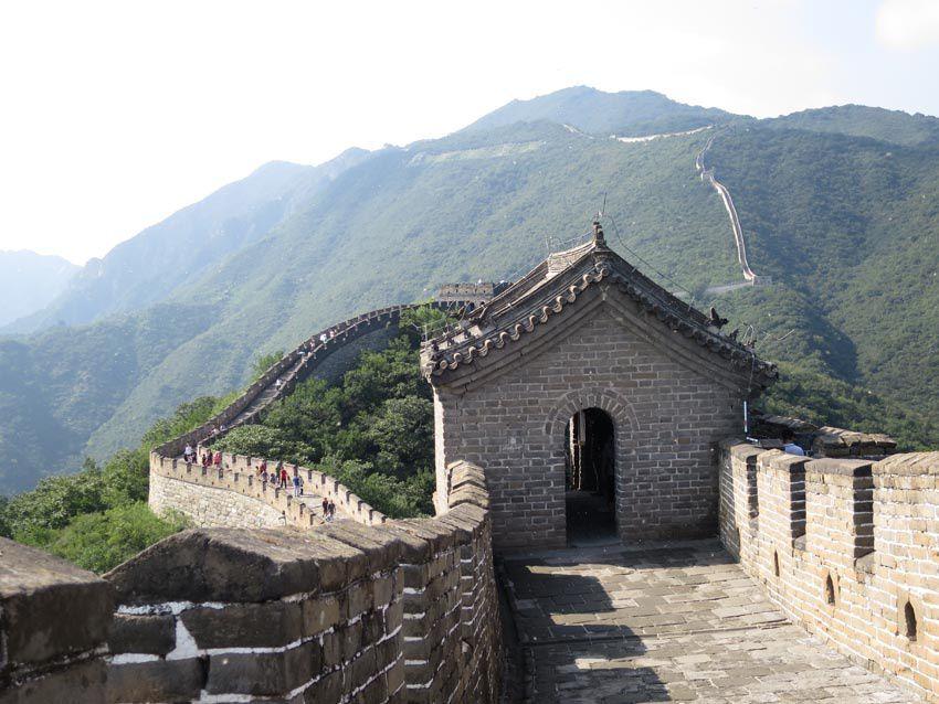 De nombreuses tours de guet jalonnent la Grande Muraille. Ph. Delahaye.