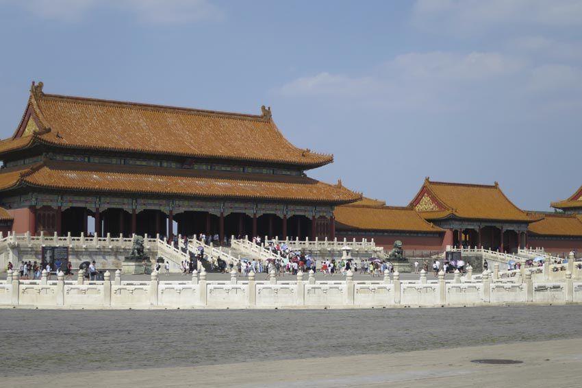 Le Palais de l'Harmonie Suprême vu depuis de Porte de l'Harmonie Suprême. Ph. Delahaye.