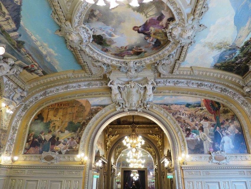 """Le """"Théâtre d'Orange"""" d'Albert Maignan. Sur la partie à droite, Sarah Bernhardt. Ph. Delahaye."""