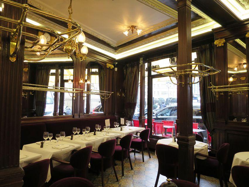 Le Gallopin, 40 rue Notre-Dame des Victoires 75002 Paris. Métro Bourse.  Première salle donnant sur la rue, face à la Bourse. Ph. Delahaye.