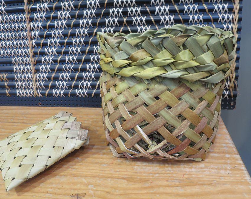 La fabrication des paniers. Ph. Delahaye.