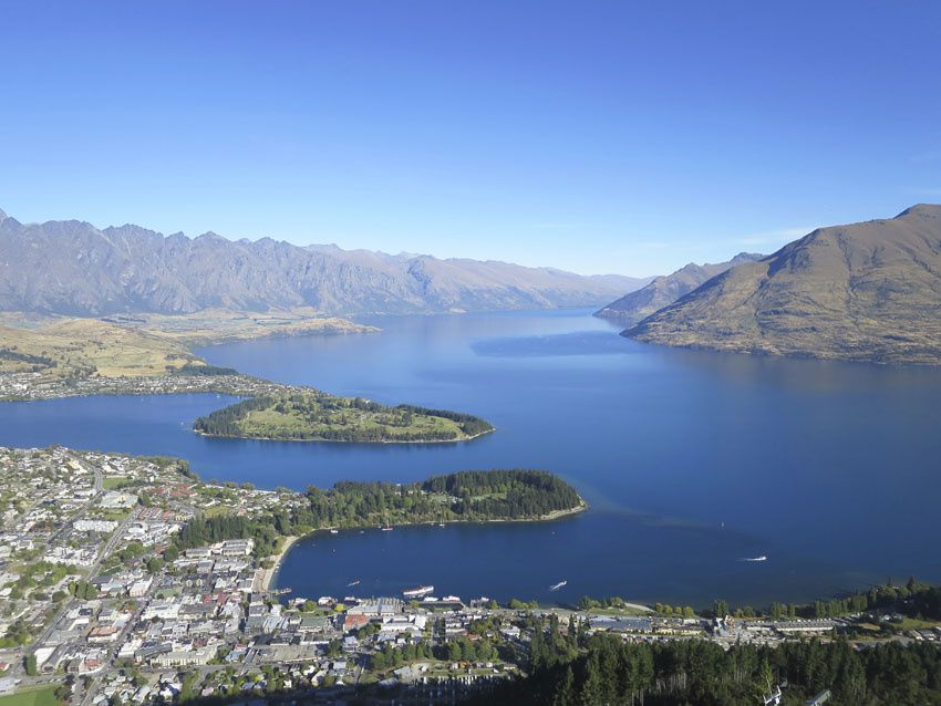 Vues sur le lac Wakatipu et Queenstown. Ph. Delahaye.