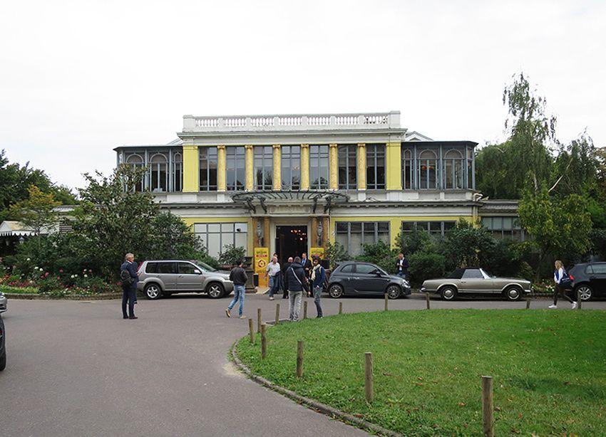 Salon France Quintessence au Pavillon Ledoyen. Le pavillon a servi de cadre au tournage des scènes extérieures du film Le Grand Restaurant avec Louis de Funès en 1966. Ph. Delahaye.