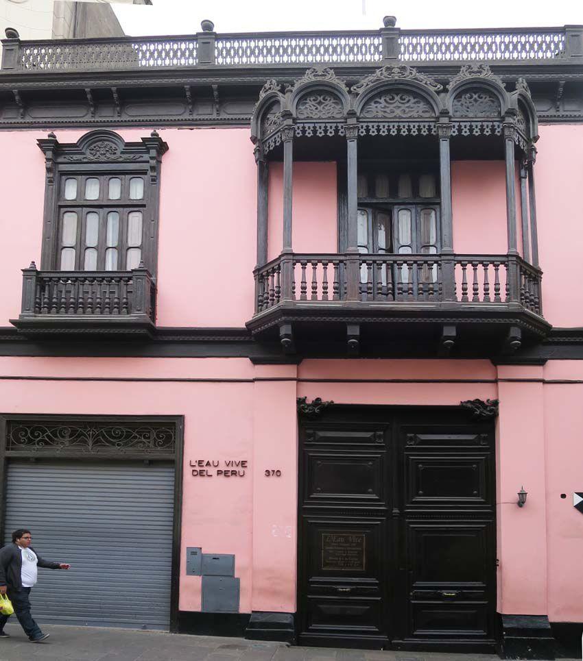 Lima la ville grise for Eugenie les bains la maison rose