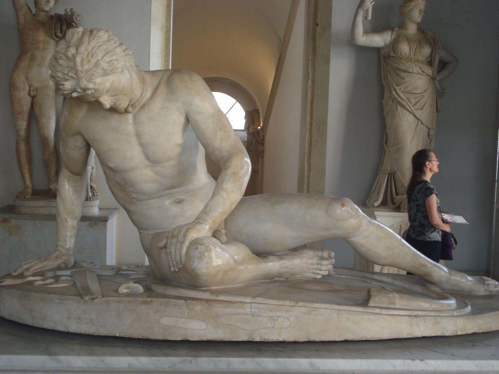 &quot&#x3B;Voyage à Rome&quot&#x3B; : la sculpture, la mort et le temps