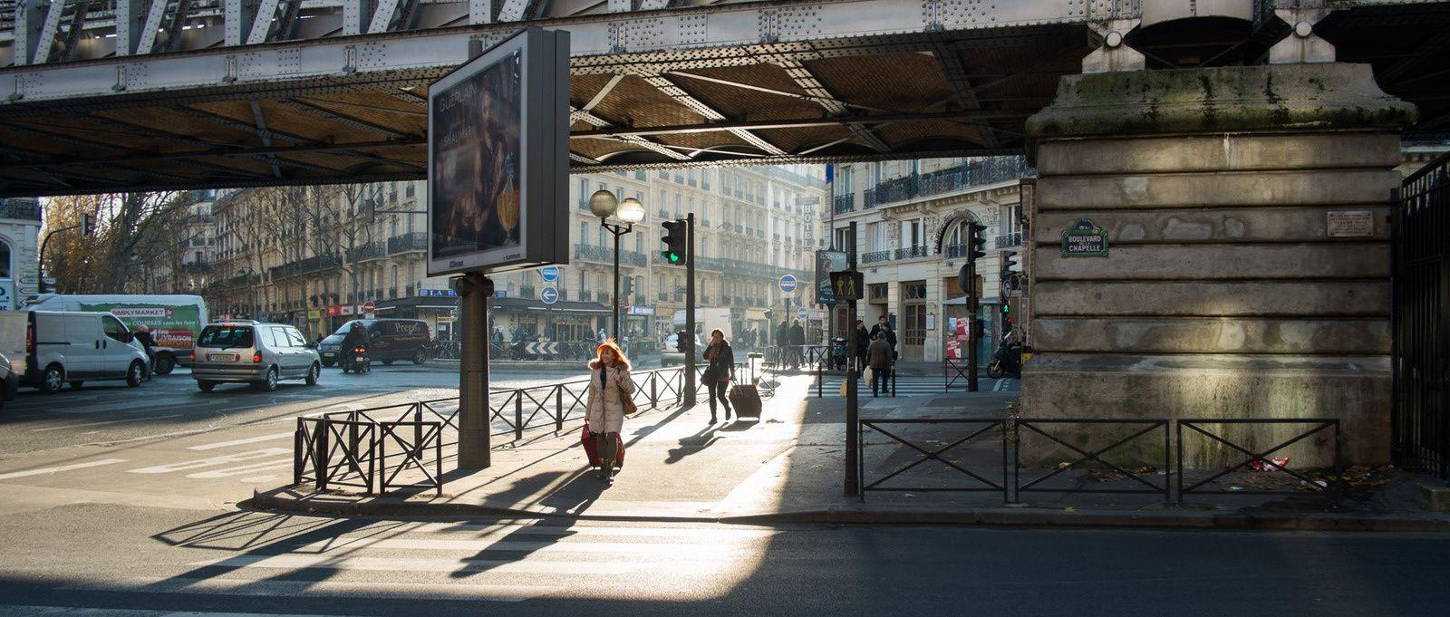 Une promenade urbaine sous le vidauc du métro La Chapelle ligne 2
