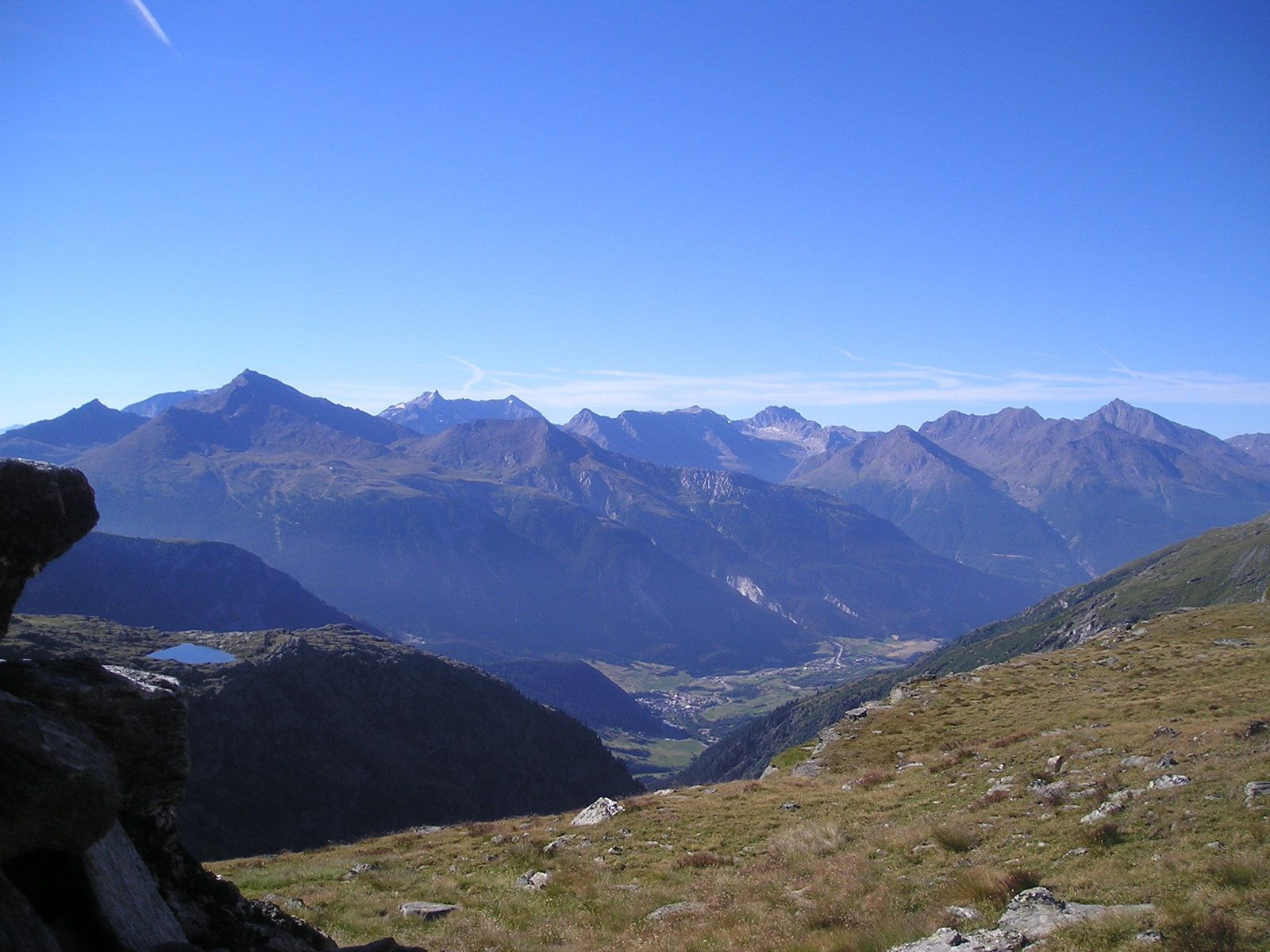 Le massif de la Vanoise, à partir de Termignon. Photo by Galano, CC BY-SA 3.0. From Commons Wikimedia.org