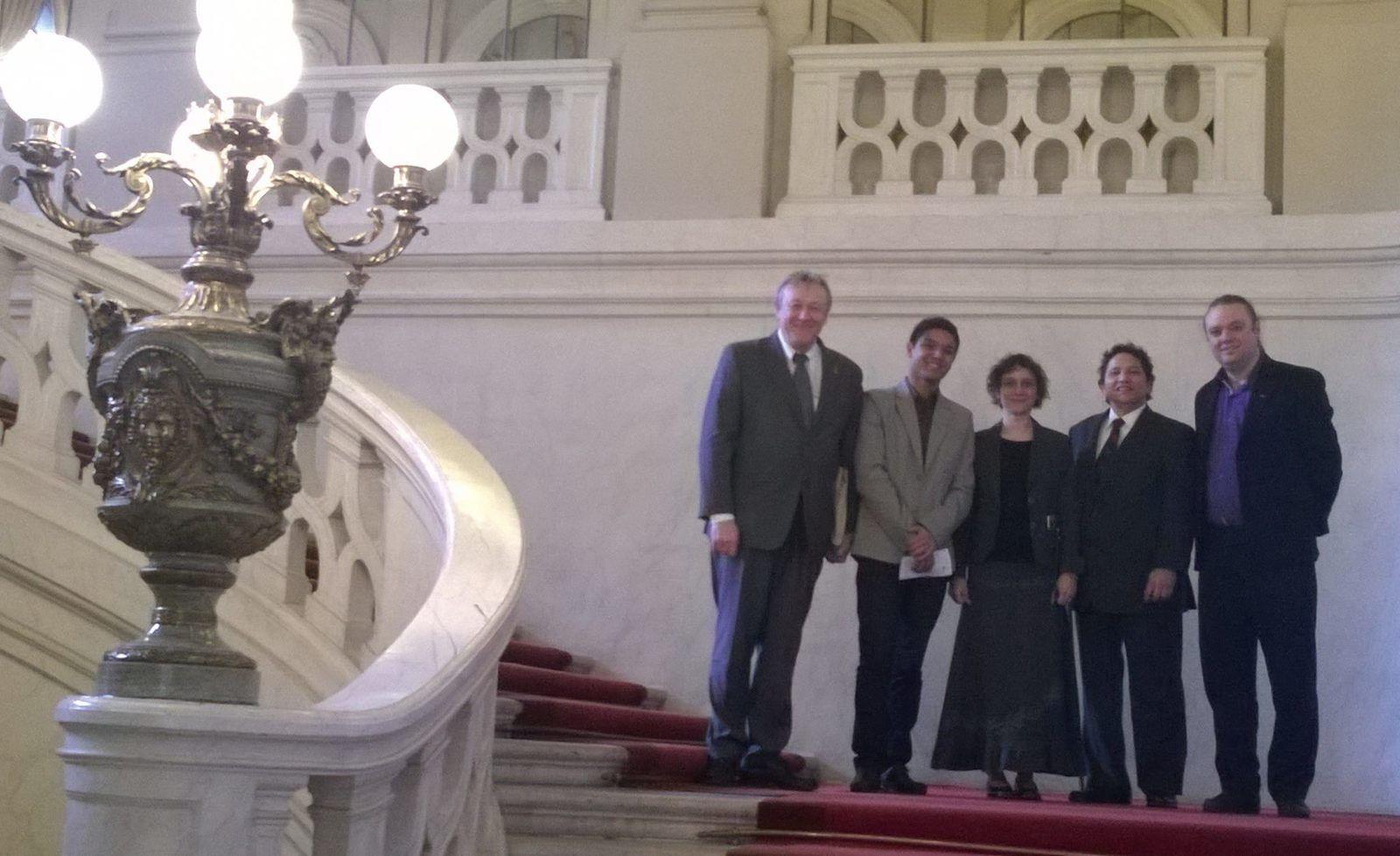 Grand escalier du Sénat, Feeling atelier et magasin