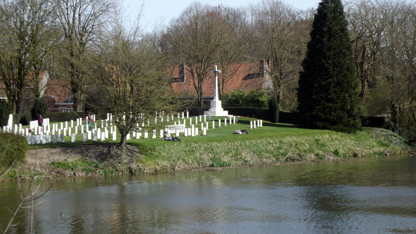 Ramparts Cemetery (Ypres).