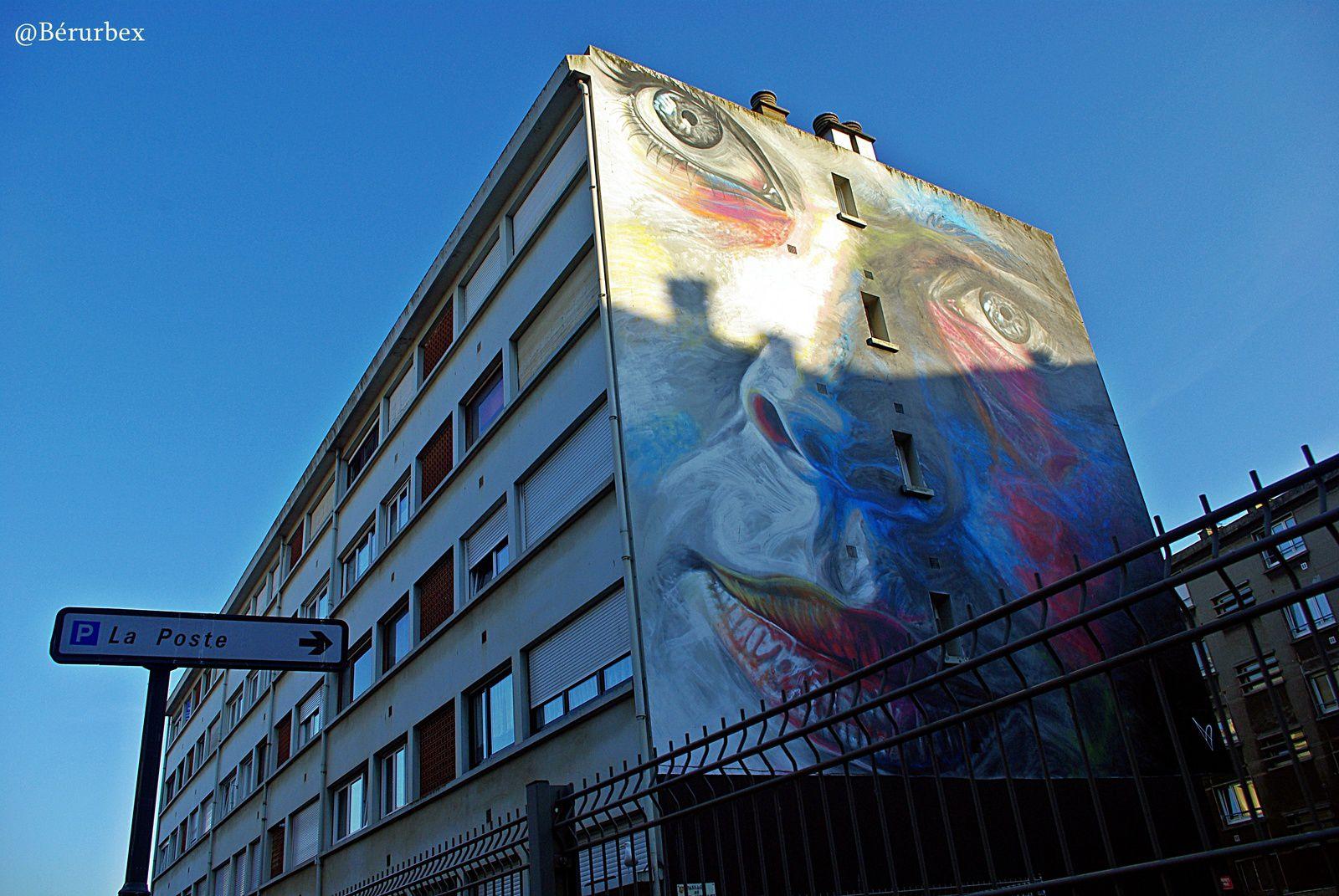 Coucher de soleil à Boulogne sur mer et les fresques réalisées par Young Jarus et .David Walker.