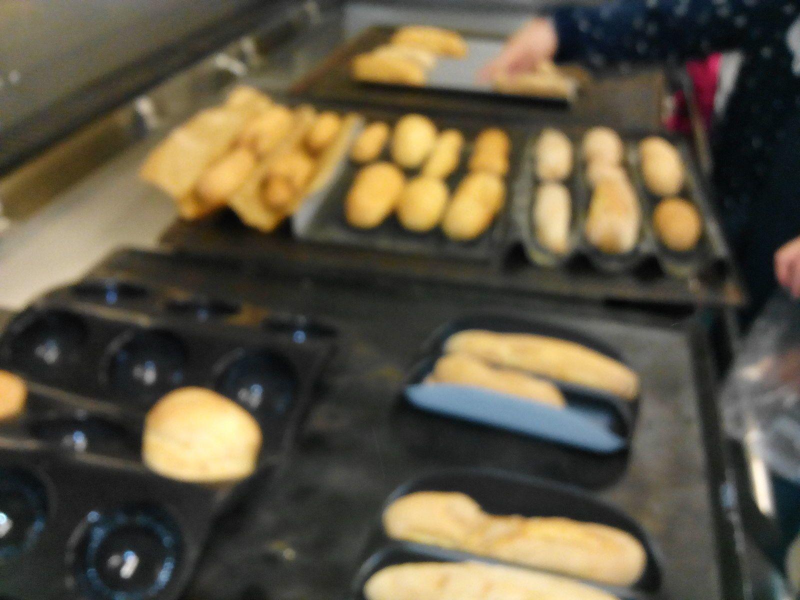Voilà le résultat !! On s'est régalé !! Maintenant, on pourra faire notre pain à la maison.
