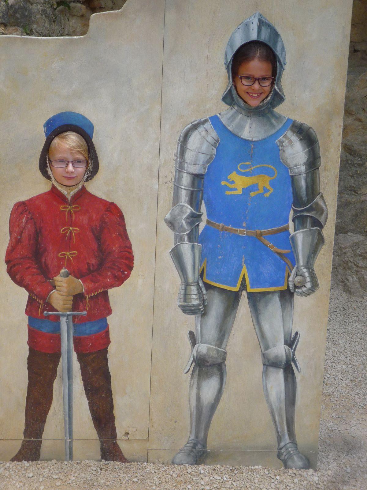 Journée au château de Castelnaud pour les CE2/CM1 de Villeneuve et les CM de St Sylvestre
