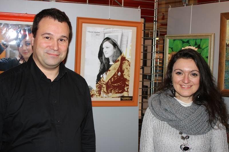 """Laetitia Reynders, modèle du portrait """"Laetitia"""" et l'artiste, Vincent Rixhon"""