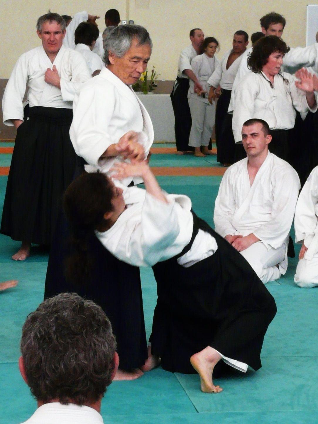 Myriam lors d'un entrainement sous la direction de Maître Tamura (source : Collection Privée de M.Boussaboua/traitement : Aïki-kohaï)